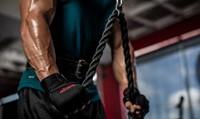 harbinger pro wristwrap fitnesshandschoenen sfeerbeeld triceps 2