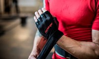 harbinger pro wristwrap fitnesshandschoenen sfeerbeeld sluiten