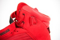 90001500-high-tops-red-close