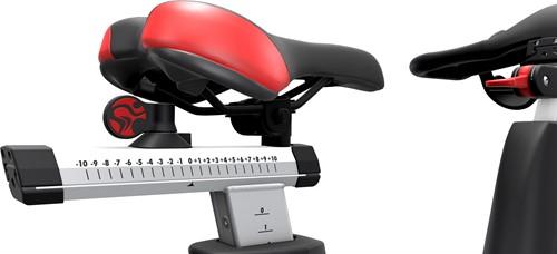 Life Fitness ICG IC4 zadel zijkant spinbike