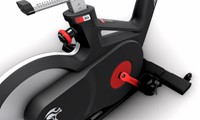 Life Fitness ICG IC6 spinbike zijkant trapper