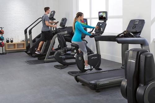 Life Fitness Platinum Explore Hometrainer sfeer 2