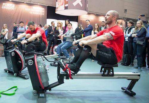 Life fitness row GX roeitrainer sfeer 3.jp
